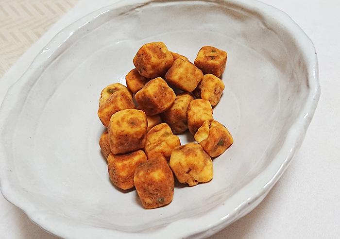 「Sozaiのまんま 麻婆豆腐のまんま」の中身を皿に移した写真