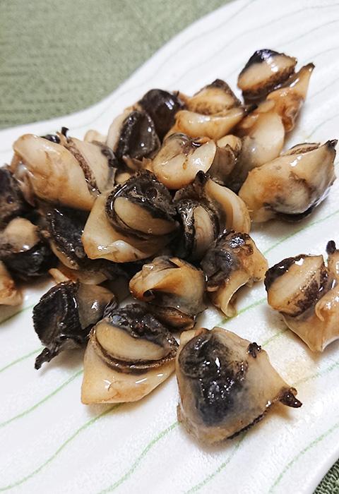 「あかにし貝」をバター醤油で炒めた写真